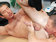 Aiden rims and relaxes Joe's asshole before plunging on in ! daddy gay movies
