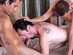 Gay Bareback Luke, Dorian & Quentin daddy gay movies
